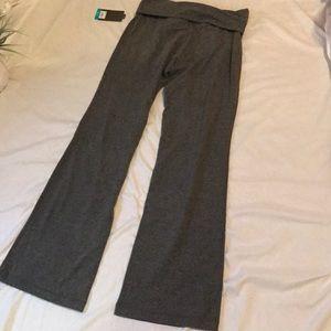 tek gear Pants - NWT Tek Gear gray yoga pants size small ( s )